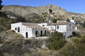 Cortijo Barranco: Country House for sale in Oria, Almeria