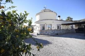 Villa Pacifico: Villa for sale in Cantoria, Almeria