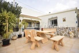 Villa Sacromonte: Villa te koop in Oria, Almeria