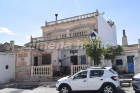Casa Especial: Villa for sale in Oria, Almeria
