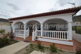 Villa Limon: Villa for sale in Oria, Almeria
