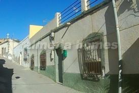 Casa Cruz: Town House for sale in Albox, Almeria