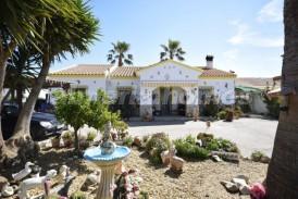 Villa Tenerife: Villa for sale in Arboleas, Almeria