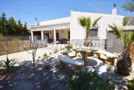 Villa Tarragona: Villa for sale in Oria, Almeria