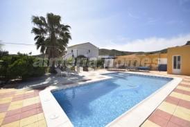 Villa Daylight: Villa en venta en Cantoria, Almeria