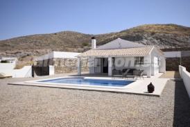 Villa Luna: Villa te koop in Arboleas, Almeria