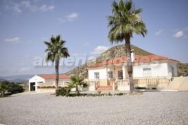 Villa Zamba: Villa for sale in Partaloa, Almeria
