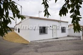 Cortijo Manga: Villa te koop in Zurgena, Almeria