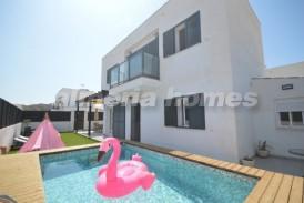 Villa Modern: Villa te koop in La Alfoquia, Almeria