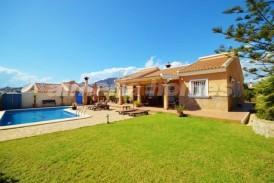 Villa Serendipity: Villa en venta en Zurgena, Almeria
