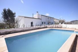 Cortijo Frederico: Country House for sale in Oria, Almeria