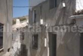 Casa Montini: Village House for sale in Somontin, Almeria