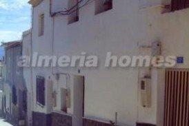 Casa Cielo Azul : Town House for sale in Purchena, Almeria