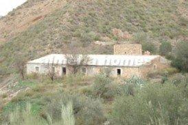Cortijo Barranco: Country House for sale in Albanchez, Almeria