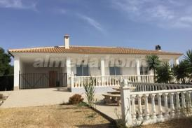 Villa Rowena: Villa en alquiler en Partaloa, Almeria