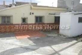 Casa Noni: Stadswoning te koop in Cela, Almeria