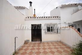 Casa Mari: Village House for sale in Oria, Almeria