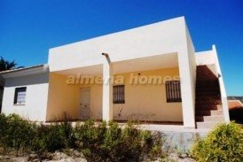 Villa Lisa: Villa for sale in Arboleas, Almeria