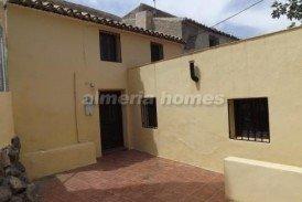 Casa Bolsillo: Village House for sale in Oria, Almeria