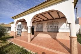 Villa Olleres: Villa for sale in Oria, Almeria